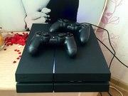 Продам PS4 (1 терабайт )