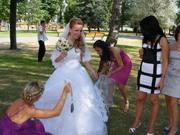 Продам очень красивое свадебное платье на рост 165 см.